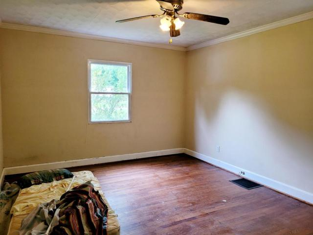 Bedroom featured at 1598 The Lake Rd, Clintwood, VA 24228