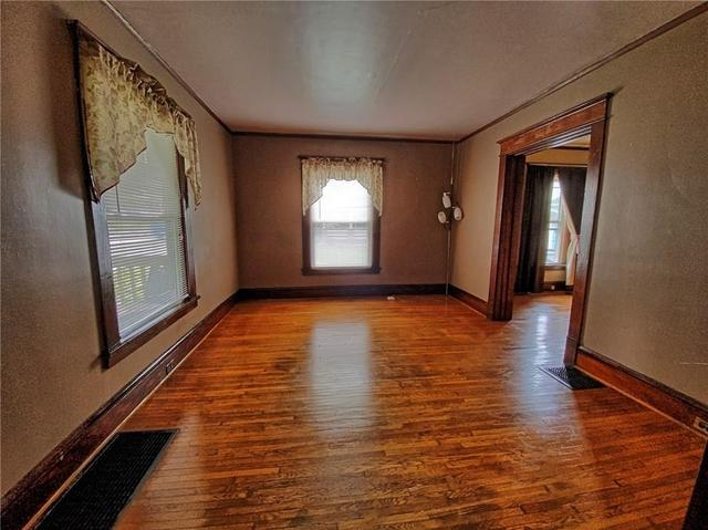 Living room featured at 415 W Union St, Newark, NY 14513