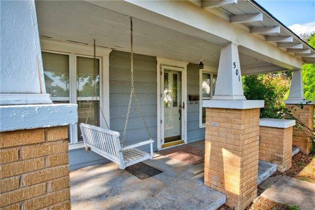 Porch featured at 501 W Pierce St, Mangum, OK 73554