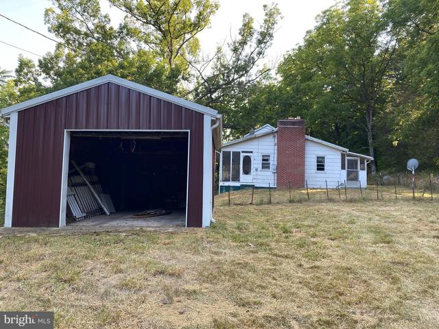 Garage featured at 20728 S Fork Rd, Moorefield, WV 26838