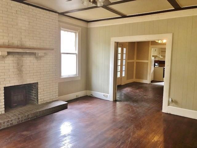 Living room featured at 428 Howe St, McComb, MS 39648