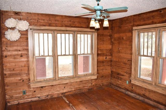 Property featured at 712 SE 1st St, Antlers, OK 74523