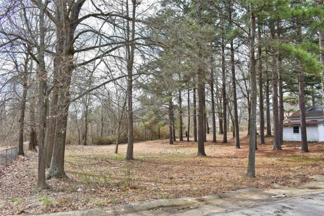 Farm land featured at 712 SE 1st St, Antlers, OK 74523