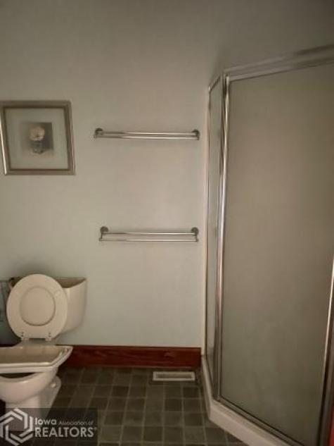 Bathroom featured at 305 S Center St, Shenandoah, IA 51601