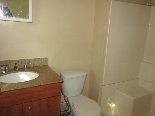 Bathroom featured at 1202 Franklin St, Johnstown, PA 15905