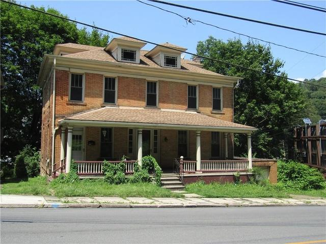Porch featured at 1202 Franklin St, Johnstown, PA 15905