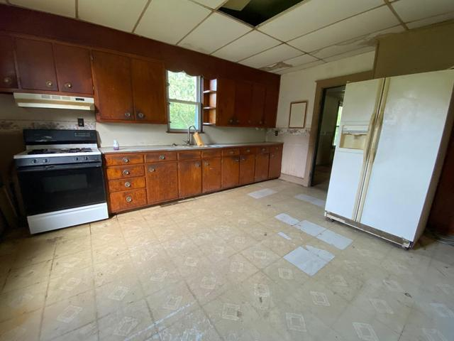 Kitchen featured at 1104 E 5th St, Spurgeon, IN 47584