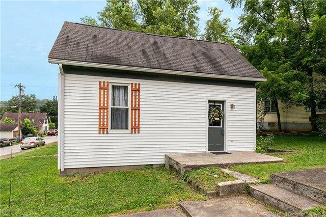 Porch yard featured at 350 S Cedar St, Marengo, IN 47140