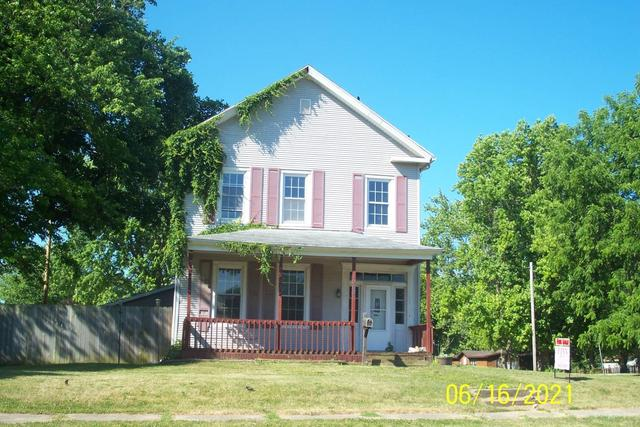 House view featured at 262 W Beardstown St, Virginia, IL 62691