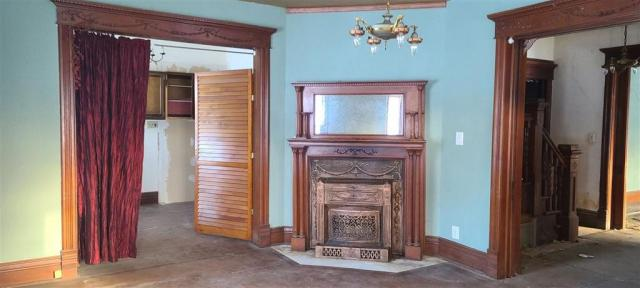 Living room featured at 255 2nd St N, Winthrop, IA 50682