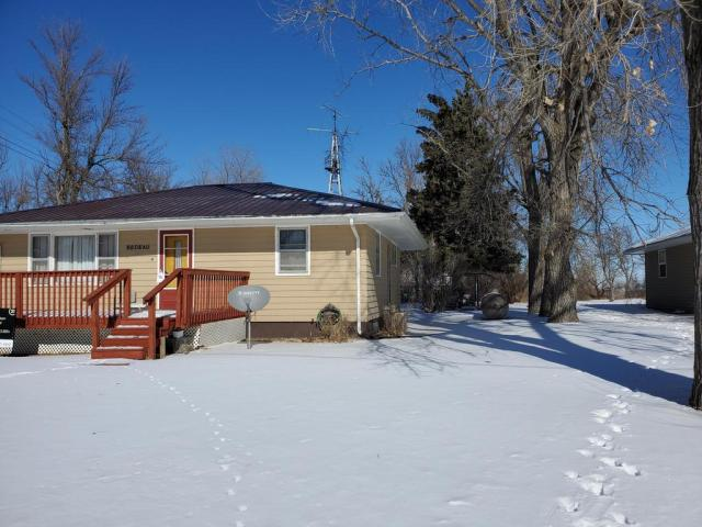 House view featured at 120 Frank St W, Goodrich, ND 58444