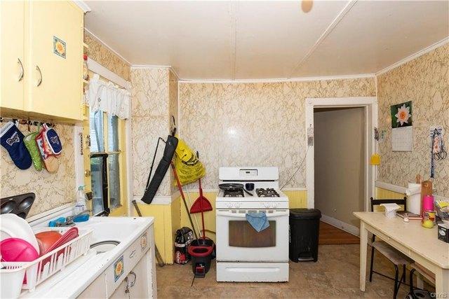Laundry room featured at 205 Barrett St, Syracuse, NY 13204