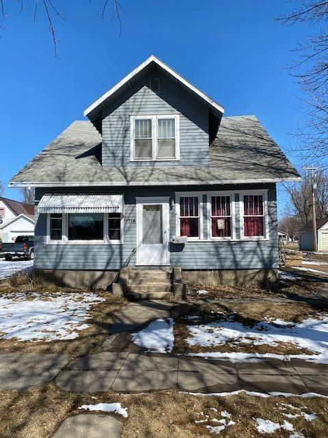 House view featured at 716 W 5th St, Madison, MN 56256