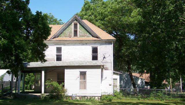 House view featured at 18 S Wilson Ave, Chanute, KS 66720