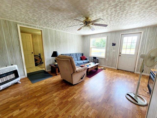 Living room featured at 4128 Skeetrock Rd, Clintwood, VA 24228