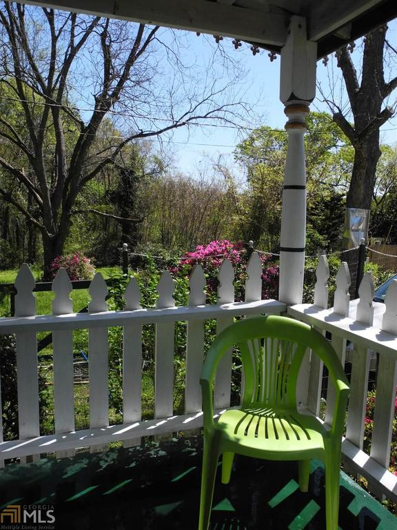 Porch yard featured at 184 Cato St, Manchester, GA 31816