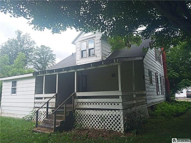 House view featured at 40 Swan St, Salamanca, NY 14779