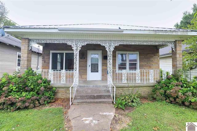 Porch featured at 1315 N 13th St, Paducah, KY 42001