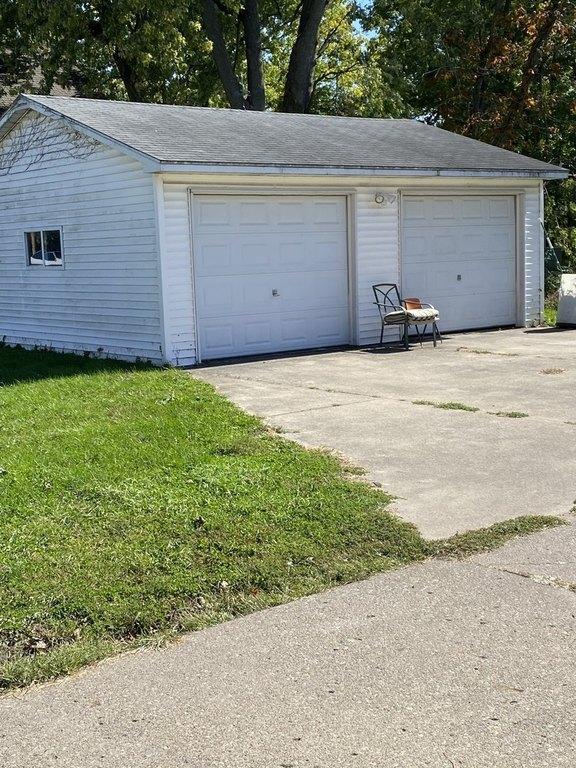 Garage featured at 503 S Church St, Princeton, IL 61356