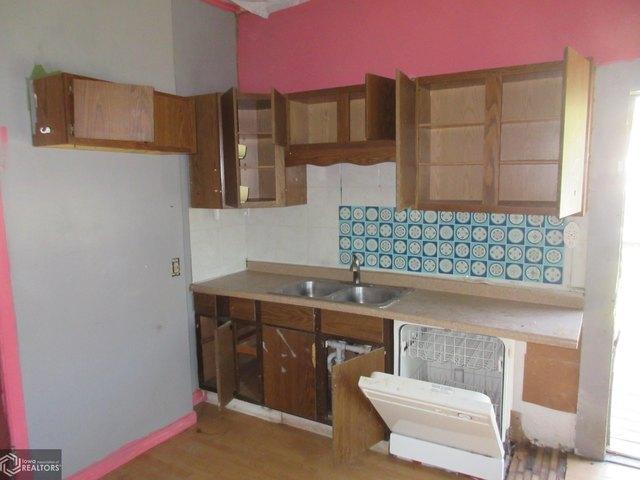 Kitchen featured at 903 Concert St, Keokuk, IA 52632