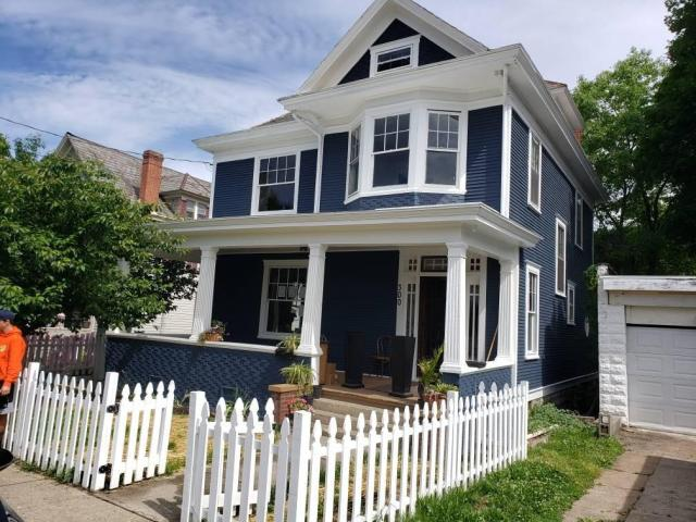Porch featured at 300 Meigs Ave, Clarksburg, WV 26301