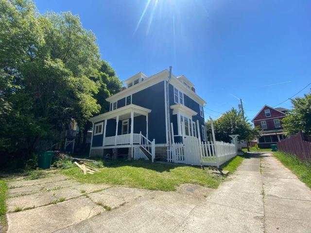 House view featured at 300 Meigs Ave, Clarksburg, WV 26301