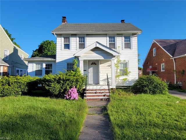 House view featured at 3805 Monticello Blvd, Cleveland Heights, OH 44121
