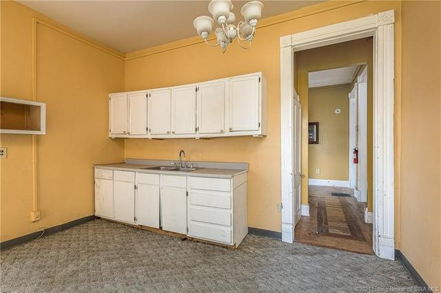 Laundry room featured at 366 Main Cross St, Charlestown, IN 47111