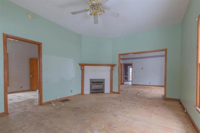 Living room featured at 1608 N Fairview Ave, Wichita, KS 67203