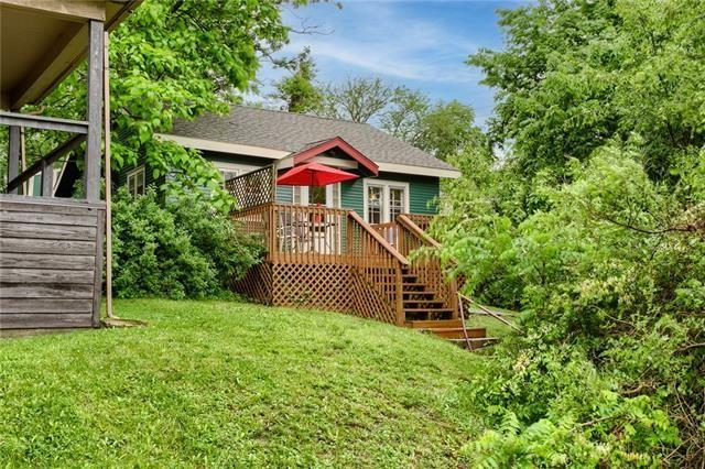 House view featured at 426 Dunbar Ave, Excelsior Springs, MO 64024