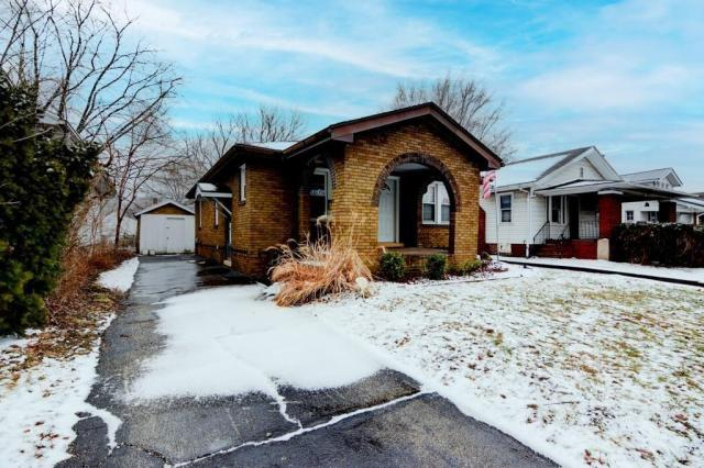 House view featured at 2111 E Wood St, Decatur, IL 62521