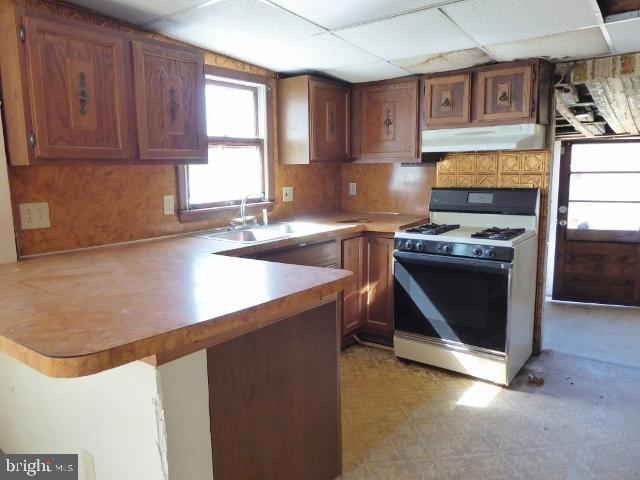Kitchen featured at 1789 North Ave, Port Norris, NJ 08349