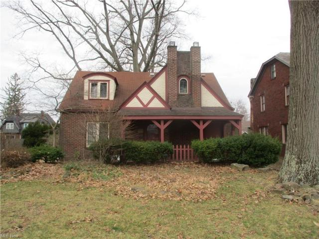 House view featured at 22 Pinehurst Ave, Youngstown, OH 44512