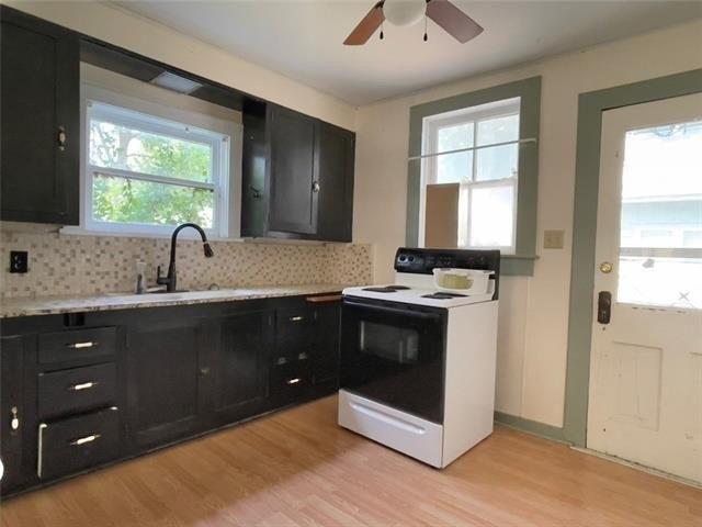 Kitchen featured at 1423 Main St, Trenton, MO 64683