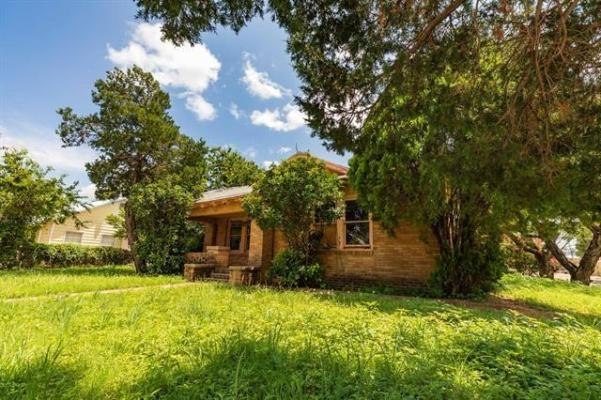 House view featured at 802 E Wells St, Stamford, TX 79553