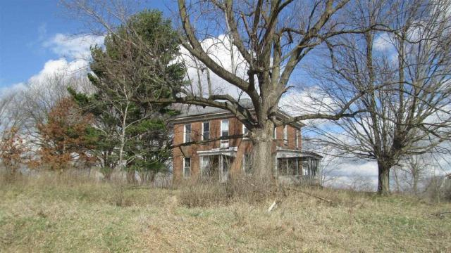 House view featured at 4032 E Winthrop Rd, Attica, IN 47918