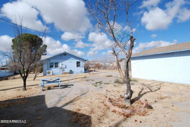 Water front featured at 123 S Bowie Ave, Willcox, AZ 85643