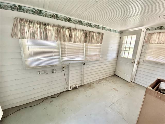 Porch featured at 100 N 2nd St, Elmo, MO 64445