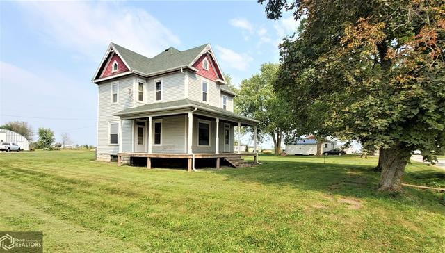 Porch yard featured at 301 Depot St, Promise City, IA 52583