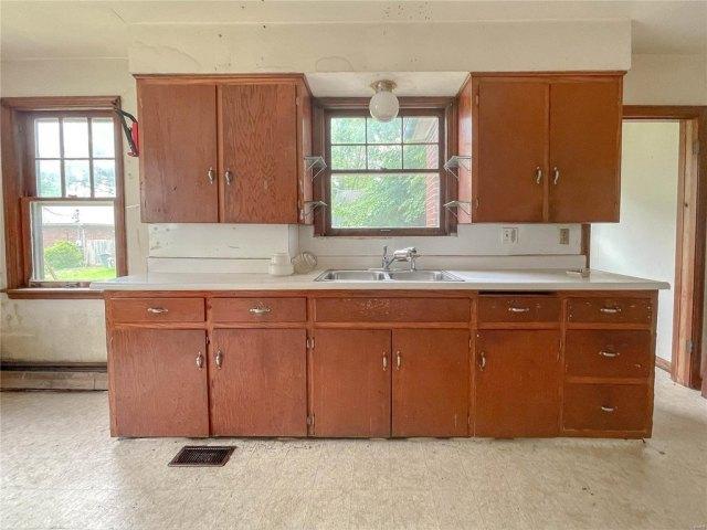 Kitchen featured at 1418 S Illinois St, Belleville, IL 62220