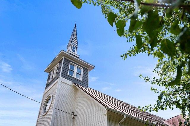 House view featured at 209 E Church St, Lynn, IN 47355