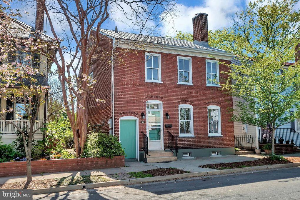 1312 Caroline St, Fredericksburg, VA 22401