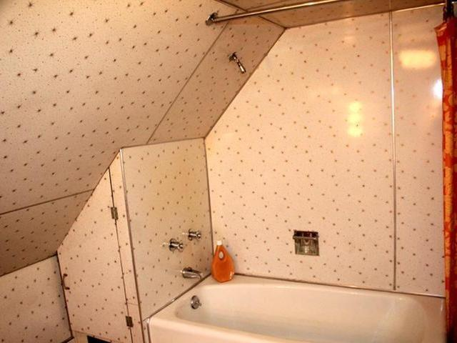 Bathroom featured at 219 Carver St N, Warren, PA 16365