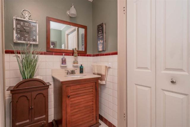 Bathroom featured at 713 Monroe St, Kilgore, TX 75662