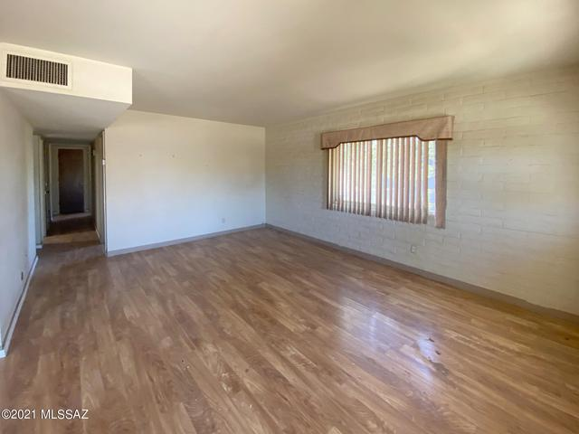 Living room featured at 440 W 5th St, Ajo, AZ 85321