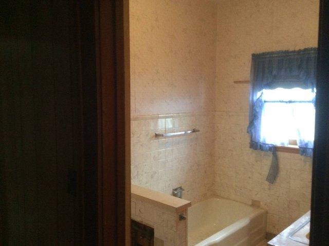 Bathroom featured at 500 N Chestnut, Red Cloud, NE 68970