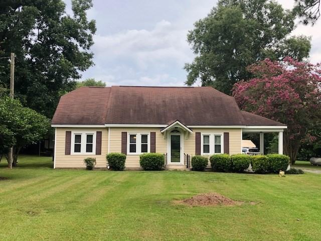 House view featured at 209 E Allen St, Leslie, GA 31764