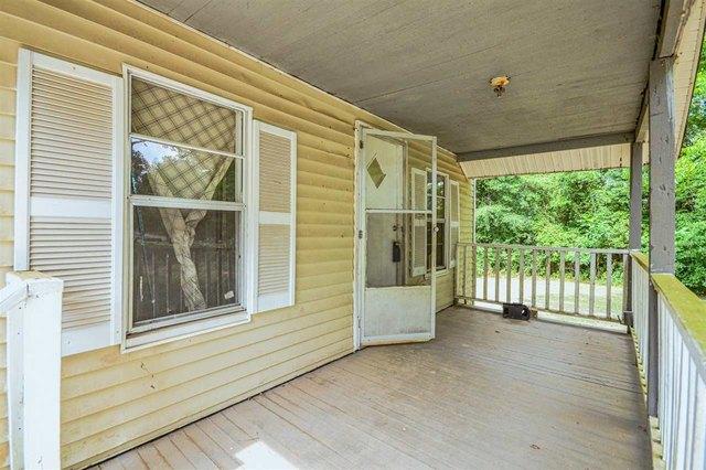 Porch featured at 1031 Mlk Jr Blvd, Quincy, FL 32351