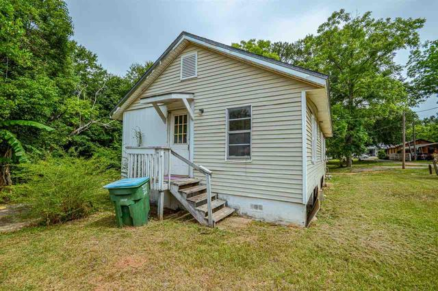 House view featured at 1031 Mlk Jr Blvd, Quincy, FL 32351