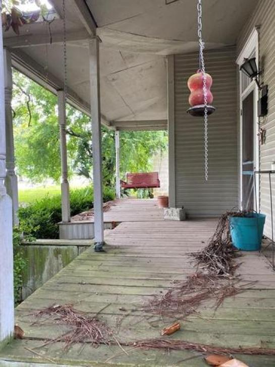 Porch featured at 407 W Central Ave, Fitzgerald, GA 31750